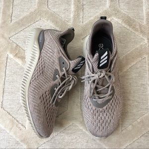 Adidas AlphaBounce Tennis Shoes